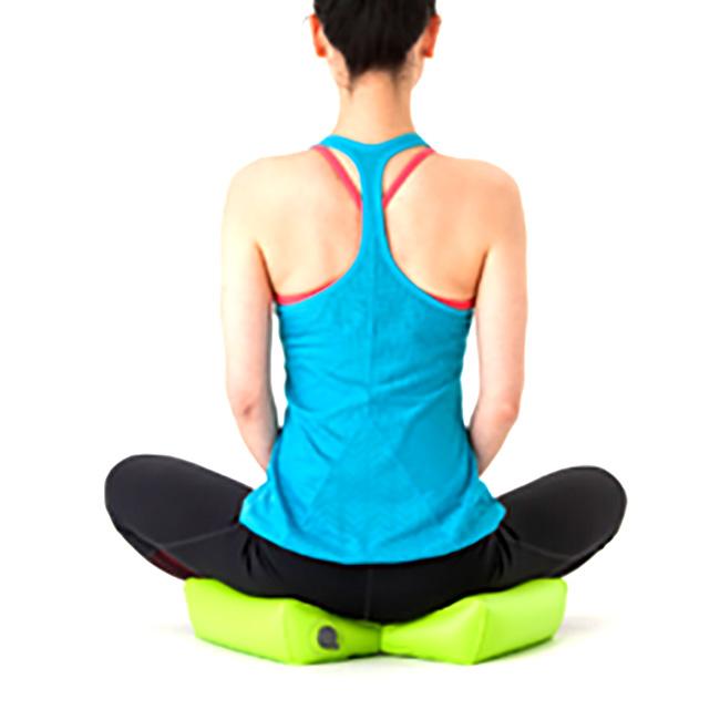秋山式ストレッチ枕 ESUJI(ストレッチ器具 エクササイズ器具 ストレッチ エクササイズ リラックス 枕 姿勢 美姿勢)